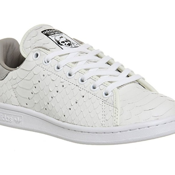 ISO: Adidas Stan Smith white snakeskin s80504